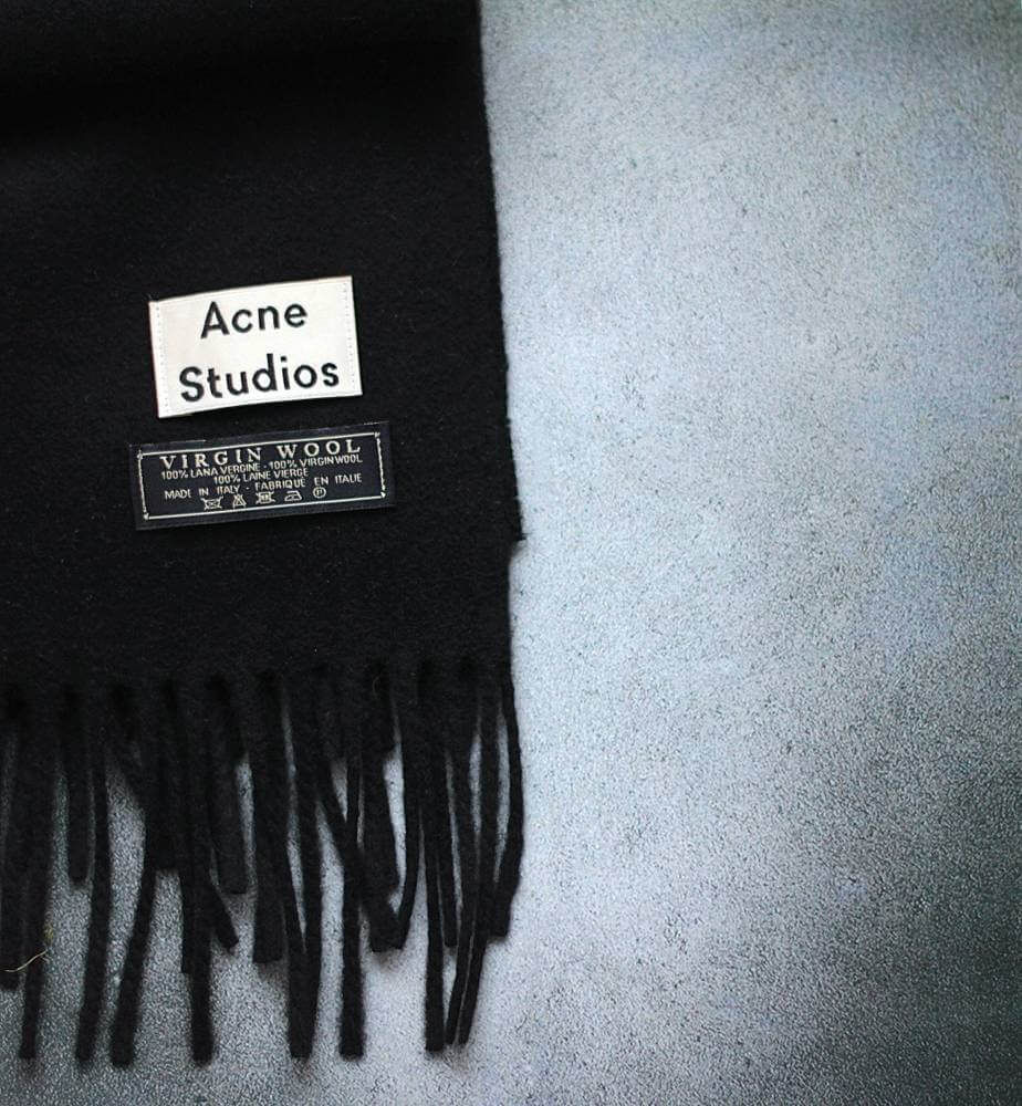 New In – Canada Scarf