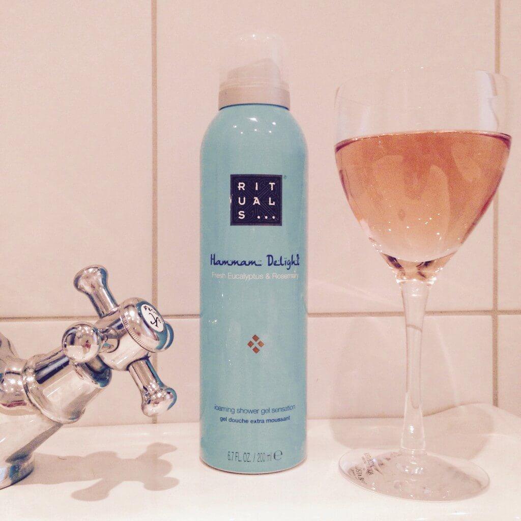 Ett glas vin, ett bad…