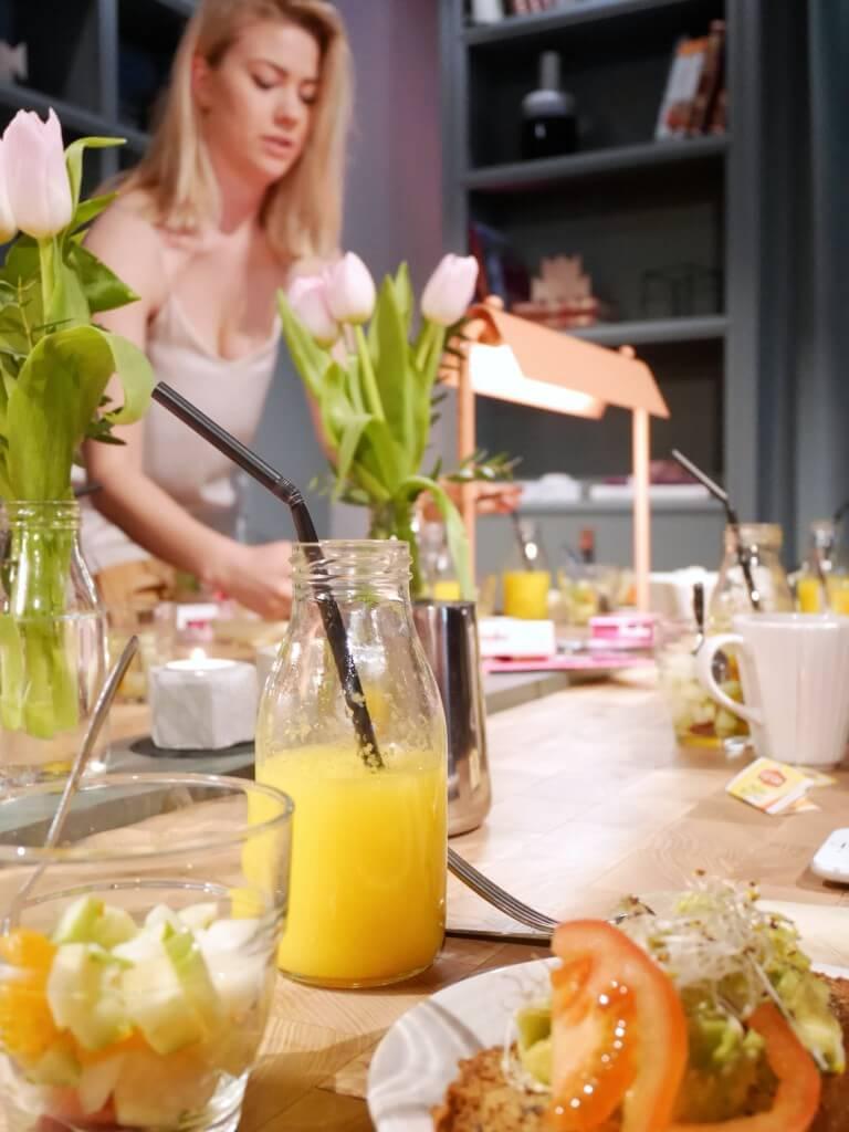 pressfrukost & Hotel