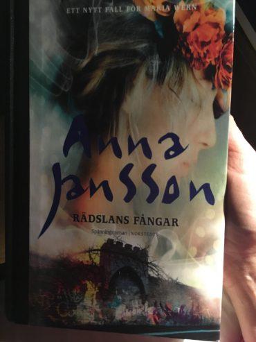 RÄDSLANS FÅNGAR AV ANNA JANSSON